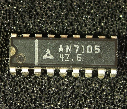AN7105 Single Chip Stereo Pre-amplifier/Power Amplifier Circuit  Features: � Pre-amplifier, AGC circuit and Power amplifier are all stereo mode   and packed in one package. � Pre-amplifier : High gain, low distortion � Power amplifier : High gain, high output, low distortion � Wide AGC range and low distortion � Low quiescent current � Low shock noise during power ON/OFF operation � 18-Lead DIL Plastic Package